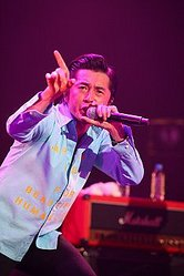 88219_185_news_thumb_dohatsuten_live01-m